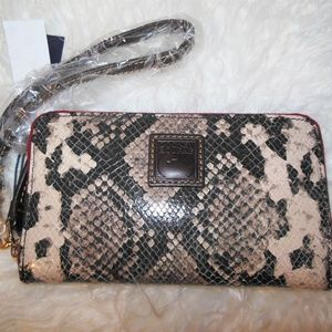 Dooney & Bourke Bags - NWT Dooney & Bourke Snakeskin Leather Wristlet Wal